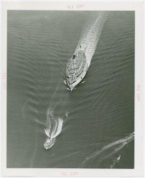 Barco de pasaje llegando a Nueva York (c. 1940)